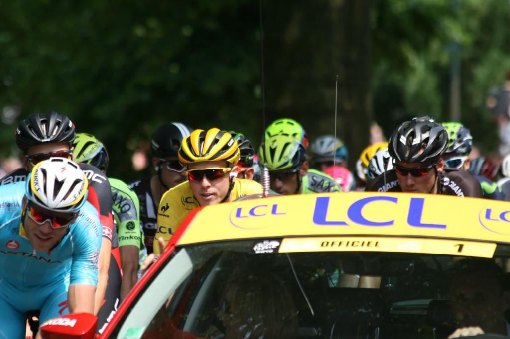 2015_Tour_de_France,_Stage_2_start_(18814063403)