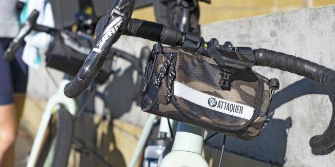 Attaquer Adventure Handlebar Bag: Free the pockets