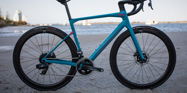 BMC Roadmachine 01 Three: A road bike to do it all